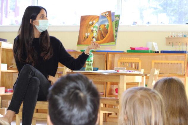 montessori-teacher